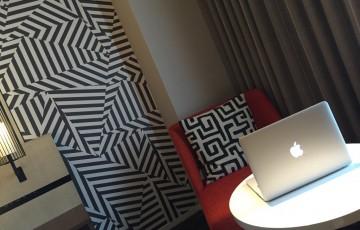 ホテルで記事更新